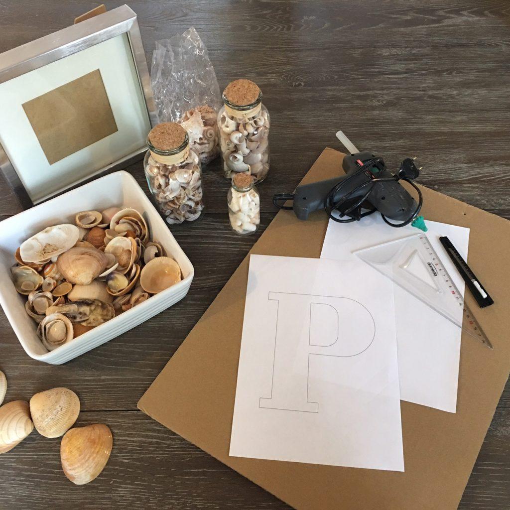 matériel pour réaliser le DIY tableu de coquillages, by Matao